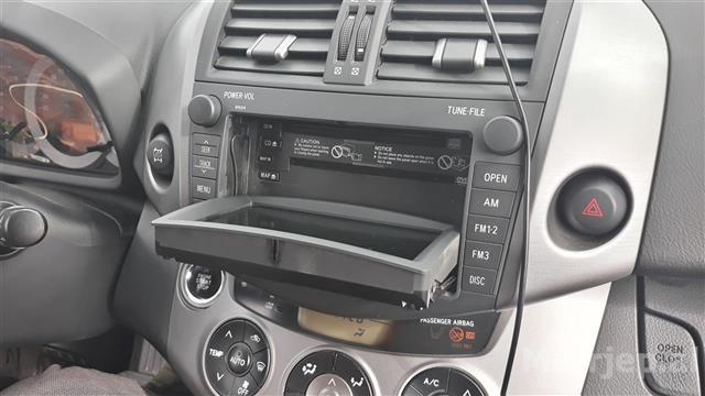 Toyota-Rav-4-FULL-OPTION-ne-gjendje-perfekte