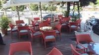 Biznesi Bar Restorant Zgare , Tirane
