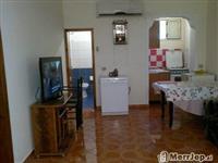 Dhoma me qera ne Vlore per sezonin turistik