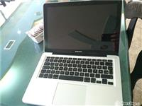 Macbook apple pro.