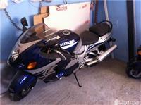 Motorr suzuki hayabuza 1300 sport -04
