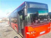 autobus Urban Neoplan i vitit 2000