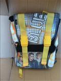 Çanta per shkoll