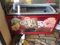 Frigorifer akullore