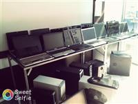 Kompjutera laptop dhe desktop.