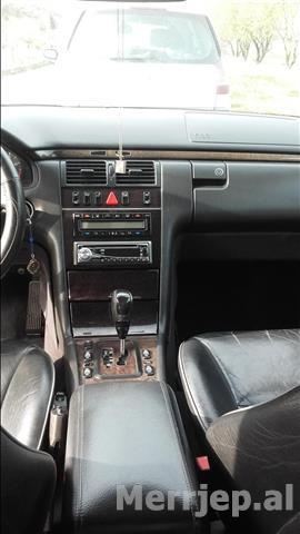 Mercedes320--01