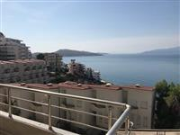 Shitet apartament me pamje ballore nga deti