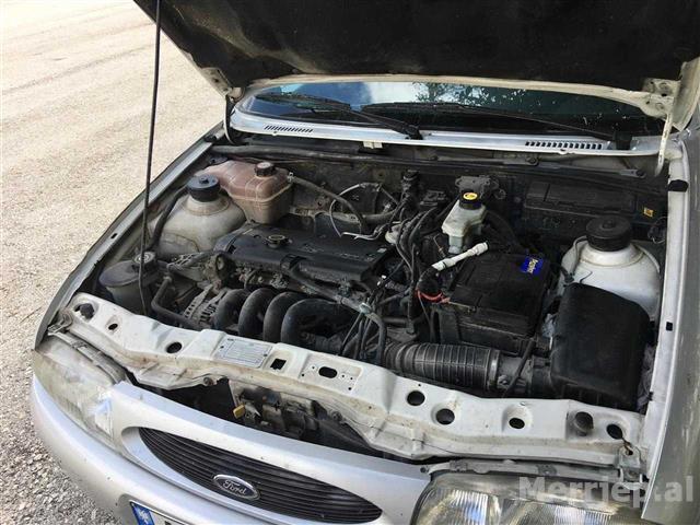 Ford-Fiesta--96-