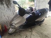 Yamaha majesty 180 cc