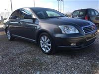 Toyota Avensis 2.2 nafte
