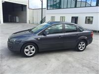 Ford Focus Berlina -06 1.4 benzine
