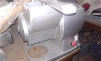 Makineri per grirje djathi