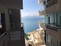 Apartament 1+1 me pamje anesore nga deti