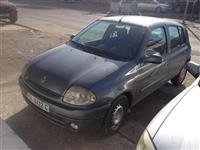 Renault Clio -01