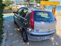 Fiat Punto ne Ksamil