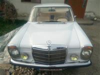 Mercedes benz w115 220D