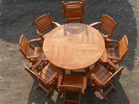 Tavolina edhe karrika
