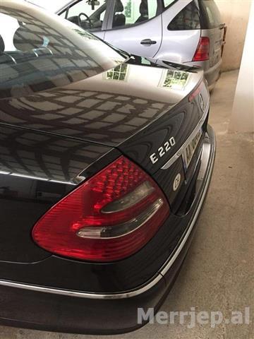 Mercedes-E220-cdi-2004