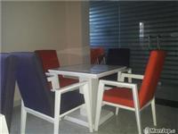 Mobilje per lokale karrige dhe tavolina 4komplet..