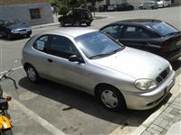 Shitet Makina Daewoo viti 2002