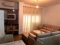 Apartament  1+1 Komuna e Parisit