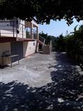 Shitet shtepi 2 kateshe +toke 3000 m2 me hipoteke