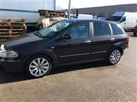 shes Fiat croma