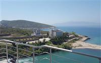 Apartament me super pamje nga deti