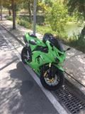 Kawasaki Ninja ZX10R. 1000cc Akrapovic