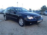 SHES MERCEDES BENZ 220  4500€