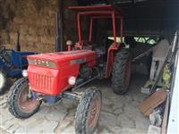 Traktor buqsor