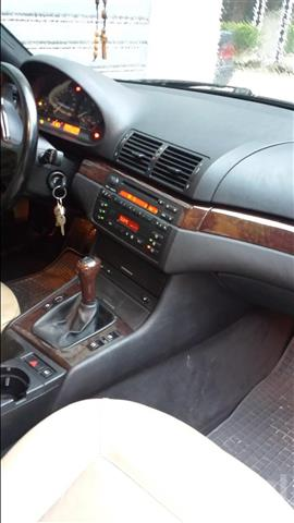BMW-320ci--02