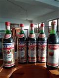 Cinziano pije alkolike