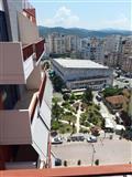 Shitet nje apartament ne qender te Elbasanit !!!!