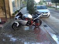 Yamaha R1 -12 nderrohet...