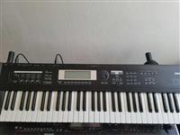 Shitet tastiere organo Korg Triton