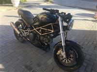 Shitet Ducati Monster