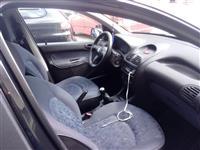 Peugeot 206 me nje vit letra.2400€okazion viti2004