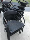 Karrige me thurje te perdorura