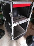 Rack per amplifikator dhe mixer