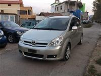Toyota Corolla Verso nafte 7 vende 2007 me dogane