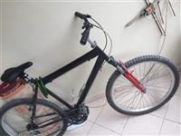 Nderroj biciklet me cel
