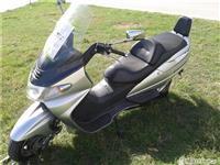 Skoter suzuki burgman  250 cc  -01