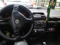 Opel Tigra 1.4 benzin -00