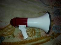 megafon i ardhur nga italia