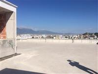 Qender Biznesi Ne Autostraden Tirane-Durres