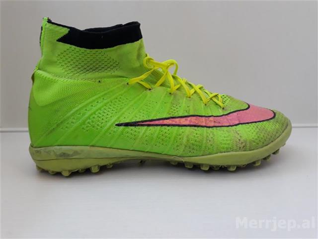 Taka-futbolli-Nike-Mercurial