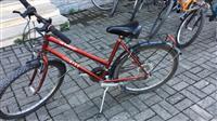 Okazion shiten bicikletat te gjitha bashk