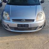 Fiesta 1.4 naft 2007 me dogan tel 0695828438
