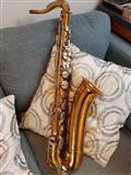 saksofon i tenorit - i përfshirë me rastin e butë